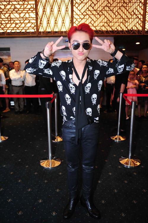 1001 trang phục gây chú ý nhất tuần của showbiz Việt - 1