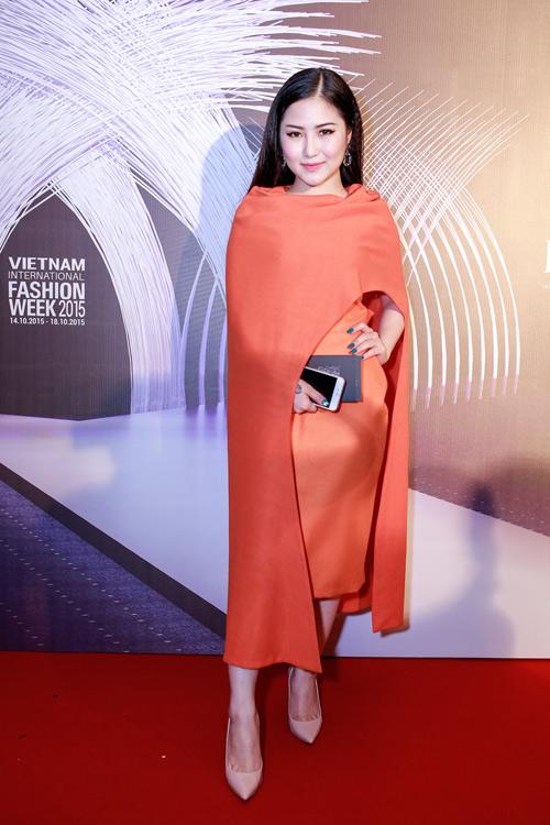 1001 trang phục gây chú ý nhất tuần của showbiz Việt - 2