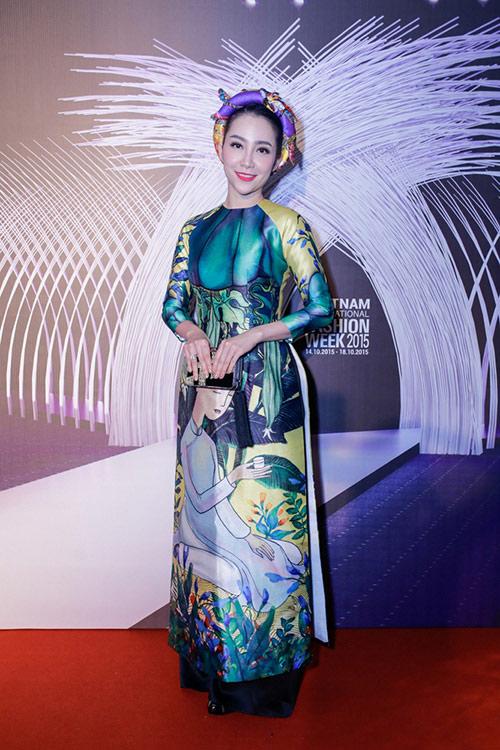 1001 trang phục gây chú ý nhất tuần của showbiz Việt - 12