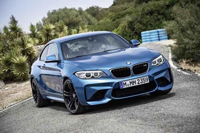 BMW M2 Coupe cuốn hút với màu xanh huyền bí - 1