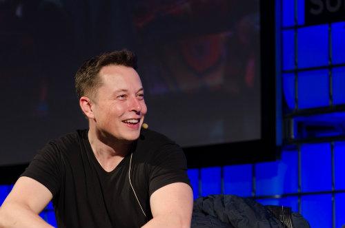 Sếp lớn Tesla: Apple chỉ thuê những kỹ sư bị sa thải - 1