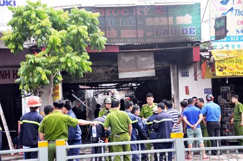 Cháy quán hủ tiếu: Xót xa người mẹ chết trong tư thế ôm con - 4