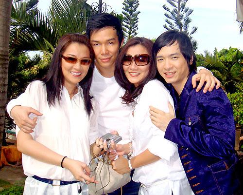 Những nhóm nhạc gia đình nổi tiếng một thời - 5