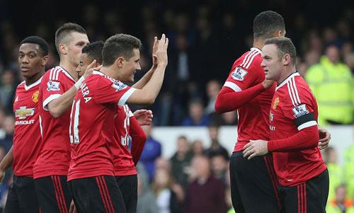 "Van Gaal thức thời, MU ""bay"" tới derby Manchester - 2"