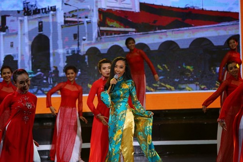MC 2015: Nữ sinh nhạc Việt giành giải 100 triệu đồng - 12