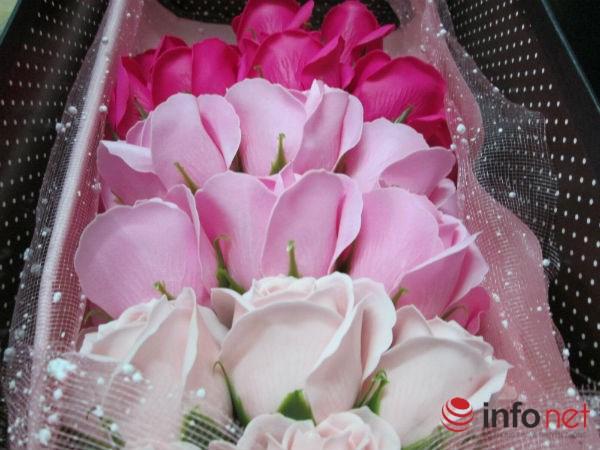 Hoa hồng sáp TQ lạ mắt, thơm như thật tung hoành thị trường - 8