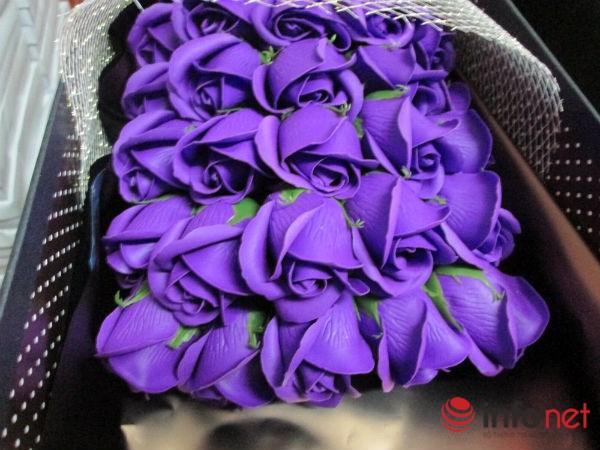 Hoa hồng sáp TQ lạ mắt, thơm như thật tung hoành thị trường - 9