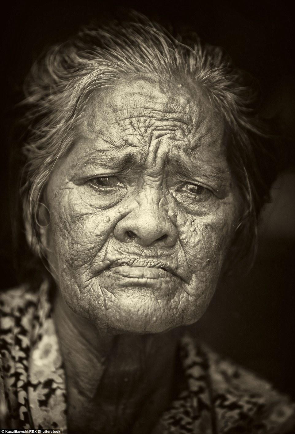 Chùm ảnh: Cuộc sống của bộ tộc du cư trên biển - 9