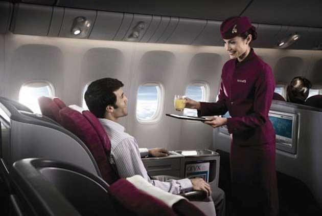 Nghĩ gì về nghề tiếp viên hàng không? - 1
