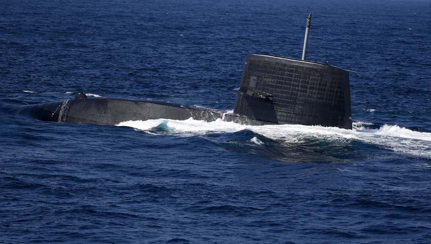 """Nhật bất ngờ """"khoe"""" sức mạnh dàn tàu chiến hoành tráng - 11"""