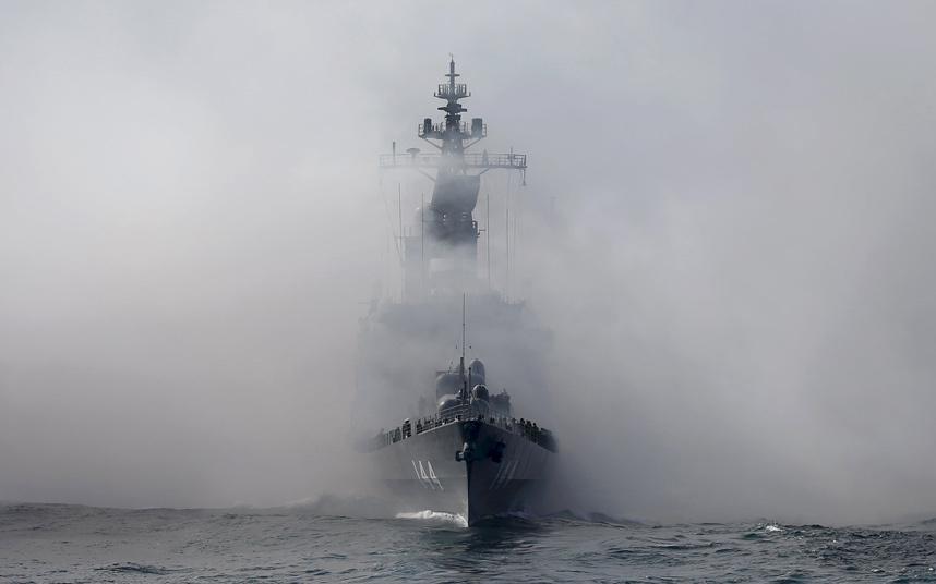 """Nhật bất ngờ """"khoe"""" sức mạnh dàn tàu chiến hoành tráng - 7"""