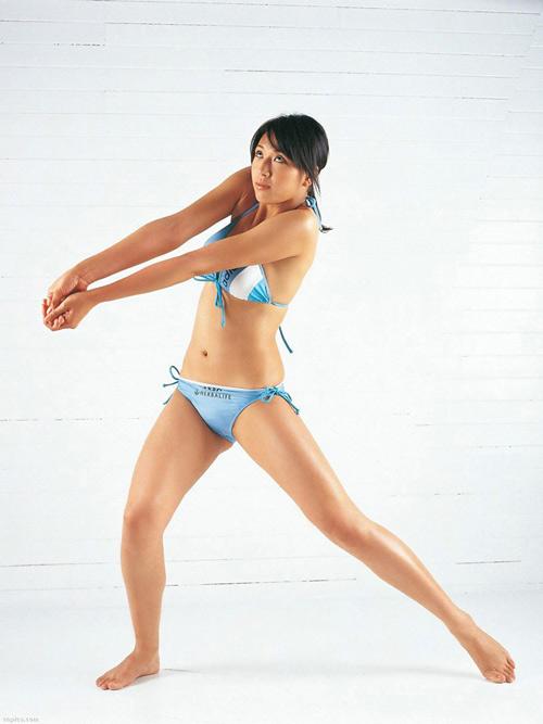 4 mỹ nữ thể thao Nhật Bản gợi cảm không kém mẫu nội y - 2