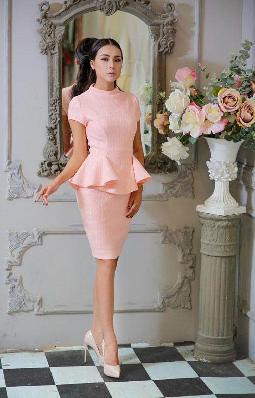 Bí quyết chọn trang phục ngọt ngào cho quý cô mùa dự tiệc - 2