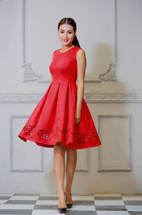 Bí quyết chọn trang phục ngọt ngào cho quý cô mùa dự tiệc - 4