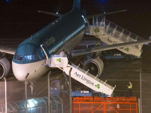 Hành khách cắn người rồi tử vong trên máy bay - 2