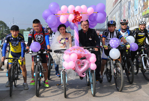 Xôn xao màn rước dâu bằng xe đạp siêu lãng mạn - 2