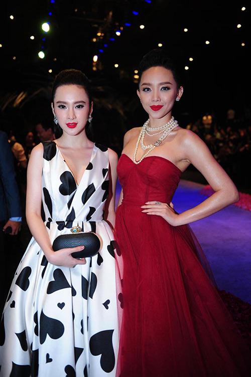 Váy hot nhất tuần: Đầm cúp ngực 150m vải của Tóc Tiên - 6