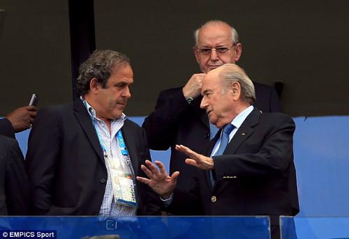 """Scandal hối lộ FIFA: Platini tố Blatter """"gài bẫy"""" - 2"""