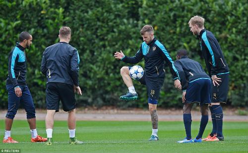 "Cup C1: Arsenal tự tin làm Lewandowski ""tắt điện"" - 4"