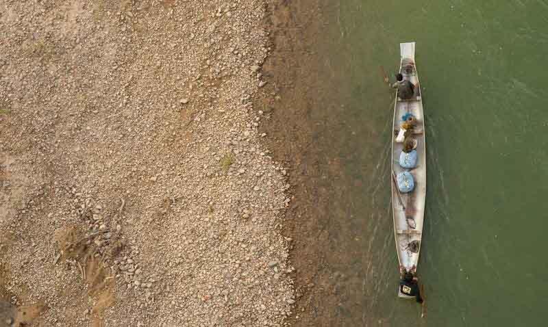 Biến vỏ bom thành vật dụng độc đáo ở Lào - 11