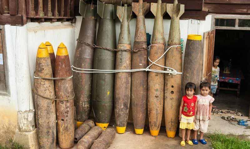 Biến vỏ bom thành vật dụng độc đáo ở Lào - 1