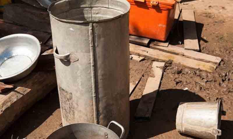 Biến vỏ bom thành vật dụng độc đáo ở Lào - 8