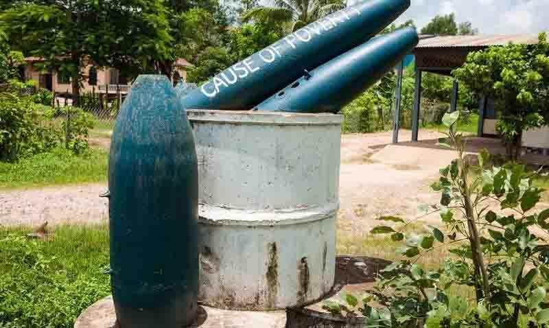 Biến vỏ bom thành vật dụng độc đáo ở Lào - 2