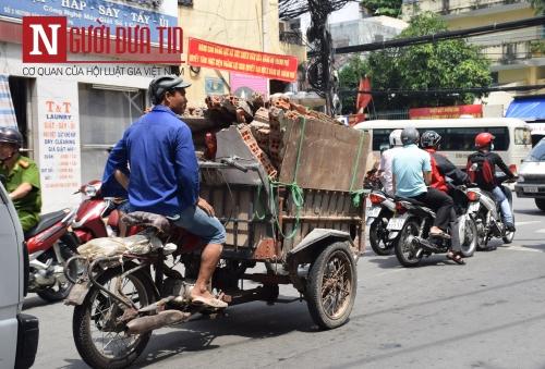 """Cận cảnh xe """"ma"""" sắp bị xử lý nghiêm ở Sài Gòn - 1"""