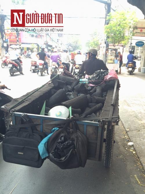 """Cận cảnh xe """"ma"""" sắp bị xử lý nghiêm ở Sài Gòn - 4"""