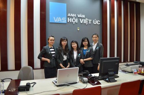 Anh Văn Hội Việt Úc ưu đãi 50% học phí mừng sinh nhật 8 tuổi - 1