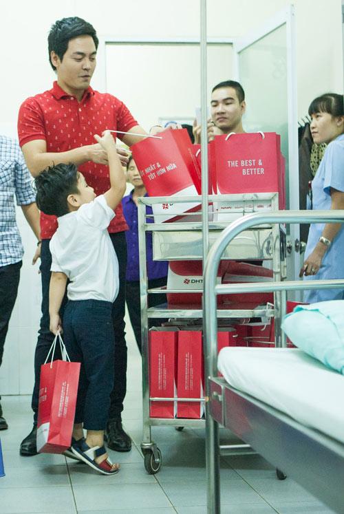 Quý tử nhà MC Phan Anh đòi bố phải sinh thêm em bé - 4