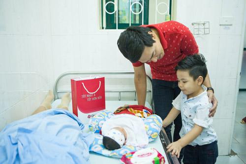 Quý tử nhà MC Phan Anh đòi bố phải sinh thêm em bé - 9