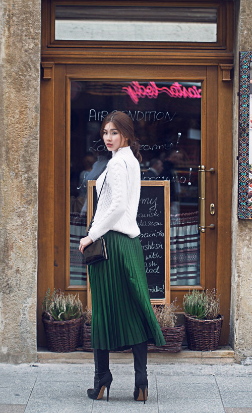 Diễm Trang mặc sành điệu trên phố Ba Lan - 13
