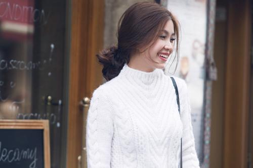 Diễm Trang mặc sành điệu trên phố Ba Lan - 12
