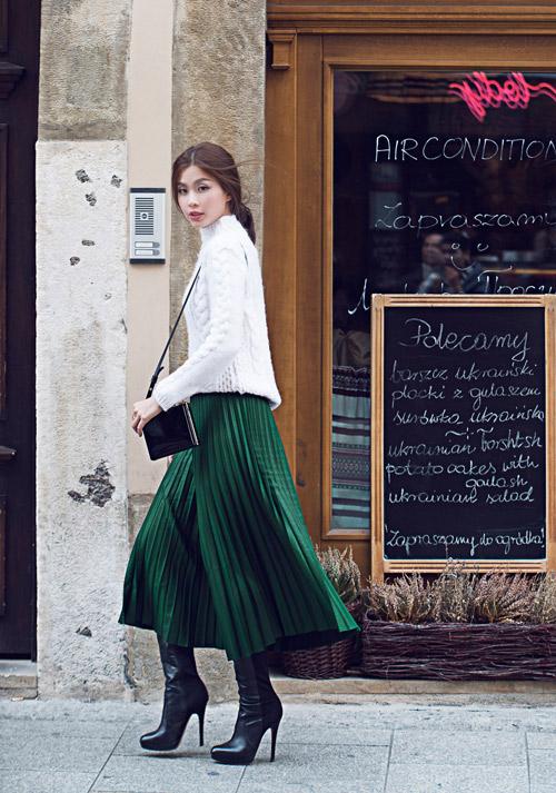 Diễm Trang mặc sành điệu trên phố Ba Lan - 11