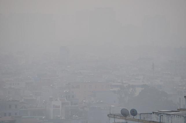 Ảnh: Hà Nội ẩn hiện trong sương mù mùa thu - 1