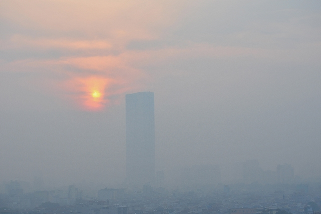 Ảnh: Hà Nội ẩn hiện trong sương mù mùa thu - 11