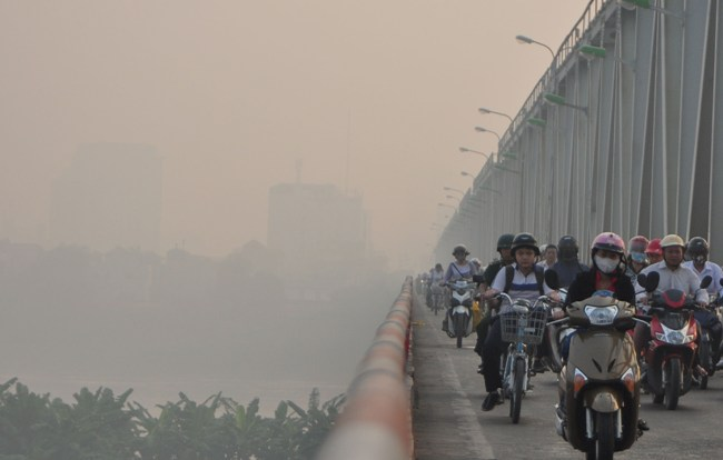 Ảnh: Hà Nội ẩn hiện trong sương mù mùa thu - 5