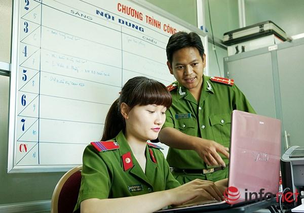 Một ngày làm việc của những nữ cảnh sát PCCC - 10