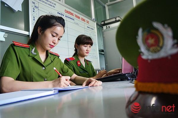 Một ngày làm việc của những nữ cảnh sát PCCC - 4