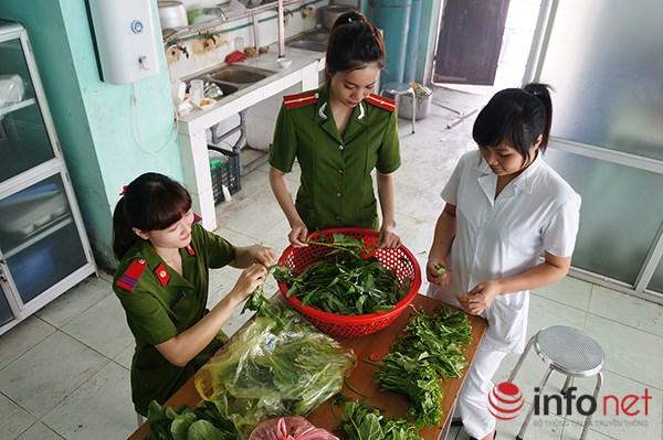 Một ngày làm việc của những nữ cảnh sát PCCC - 9