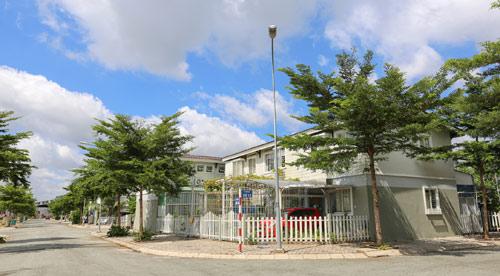 Nhà phố Ehome 4: Sức hút nhà liền thổ giá 1,3 tỷ đồng - 1