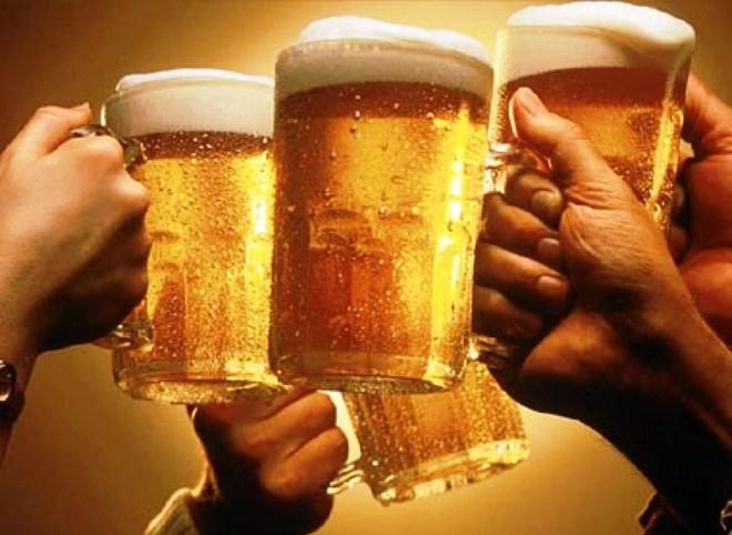 Không dùng ngân sách chi tiếp khách bia rượu - 1