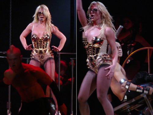 Britney Spears luống cuống vì toạc áo liền quần - 10
