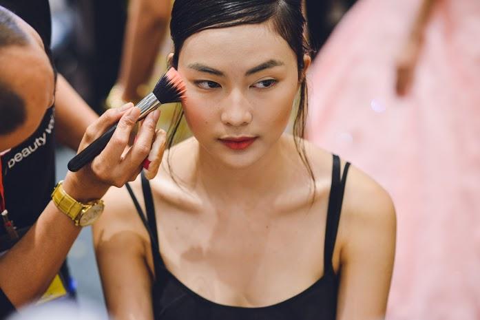 4 xu hướng làm đẹp lên ngôi sau Tuần lễ thời trang Việt - 3