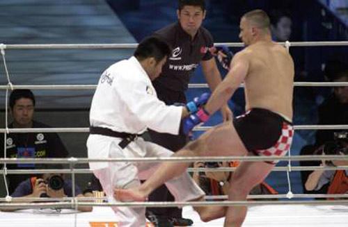 Đi tìm môn võ độc bá: Kicboxing đấu Karate (P2) - 1