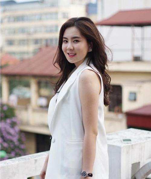 """Nụ cười """"vạn người mê"""" của BTV thời tiết Mai Ngọc - 8"""