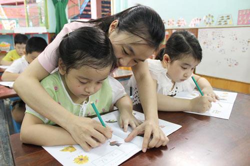 Trường mầm non dạy chữ cho trẻ là sai quy định - 1