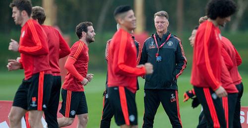 """Depay bị """"mất trí"""", Van Gaal cho học trò luyện """"chiêu độc"""" - 3"""
