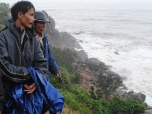 Tin tức Việt Nam - Đi trồng rừng, hoảng hồn phát hiện xác người đang phân hủy